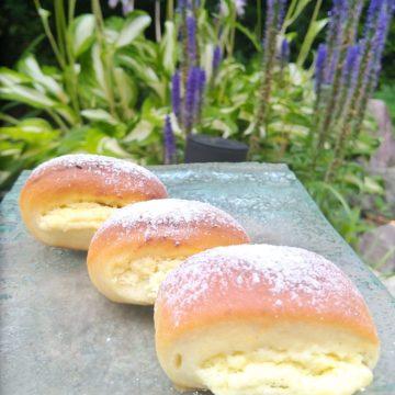 Słodkości na drogę – drożdżówki z serem